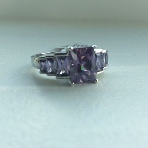 Jewelry - 💜Gorgeous amethyst ring in solid 925!💜